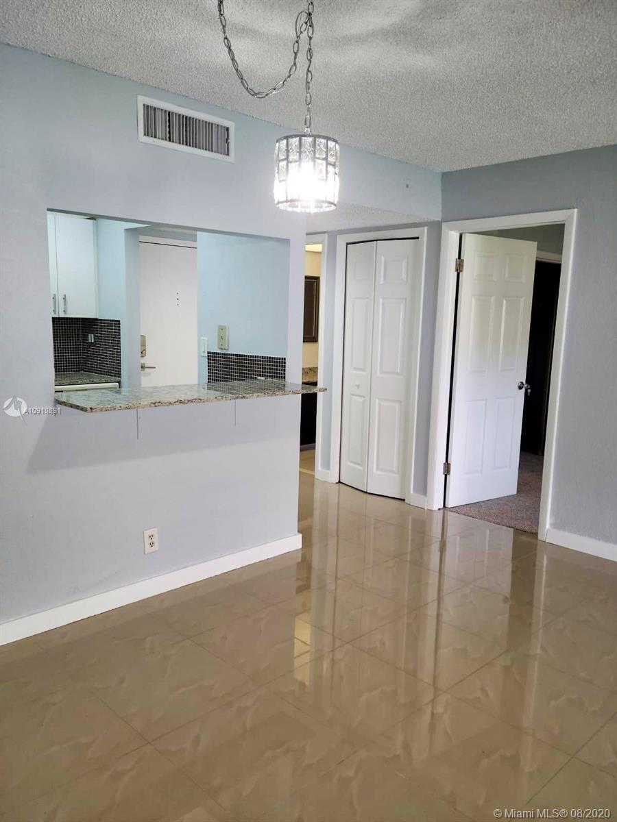 200  Lakeview Dr #113 For Sale A10918891, FL
