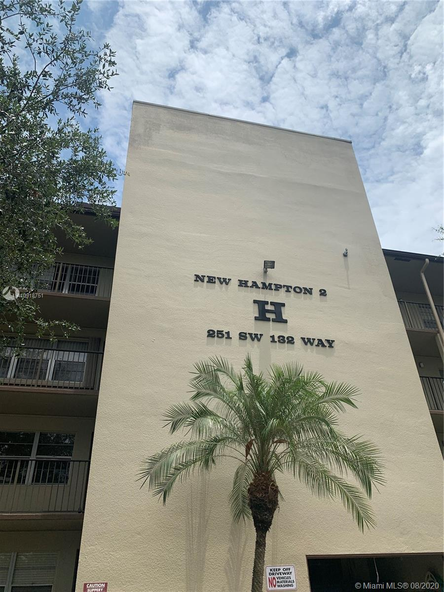 251 SW 132nd Way #406H For Sale A10918751, FL