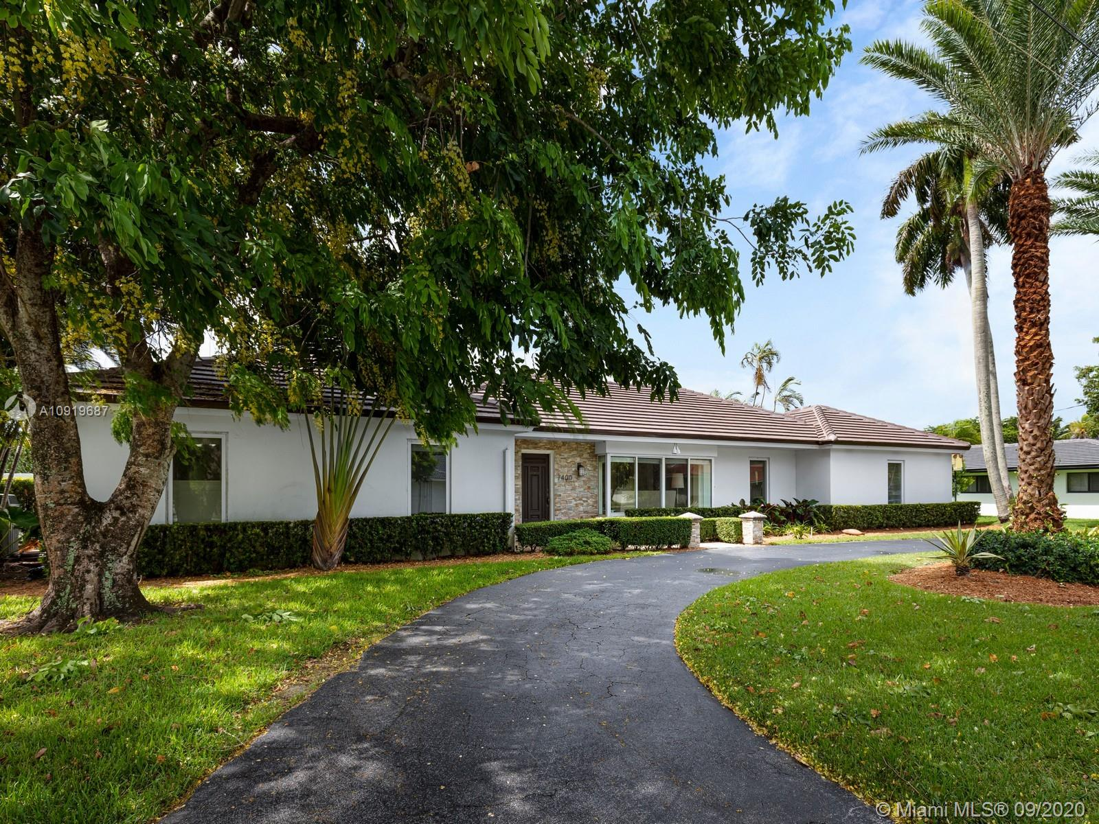 7400 SW 109th Ter  For Sale A10919687, FL