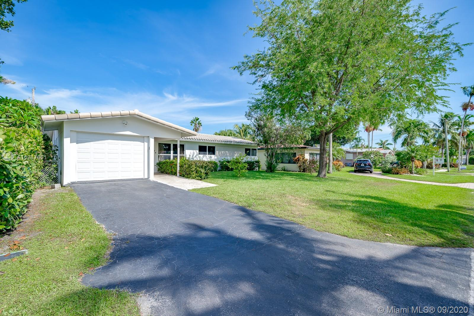 919 S 13th Ave  For Sale A10917611, FL