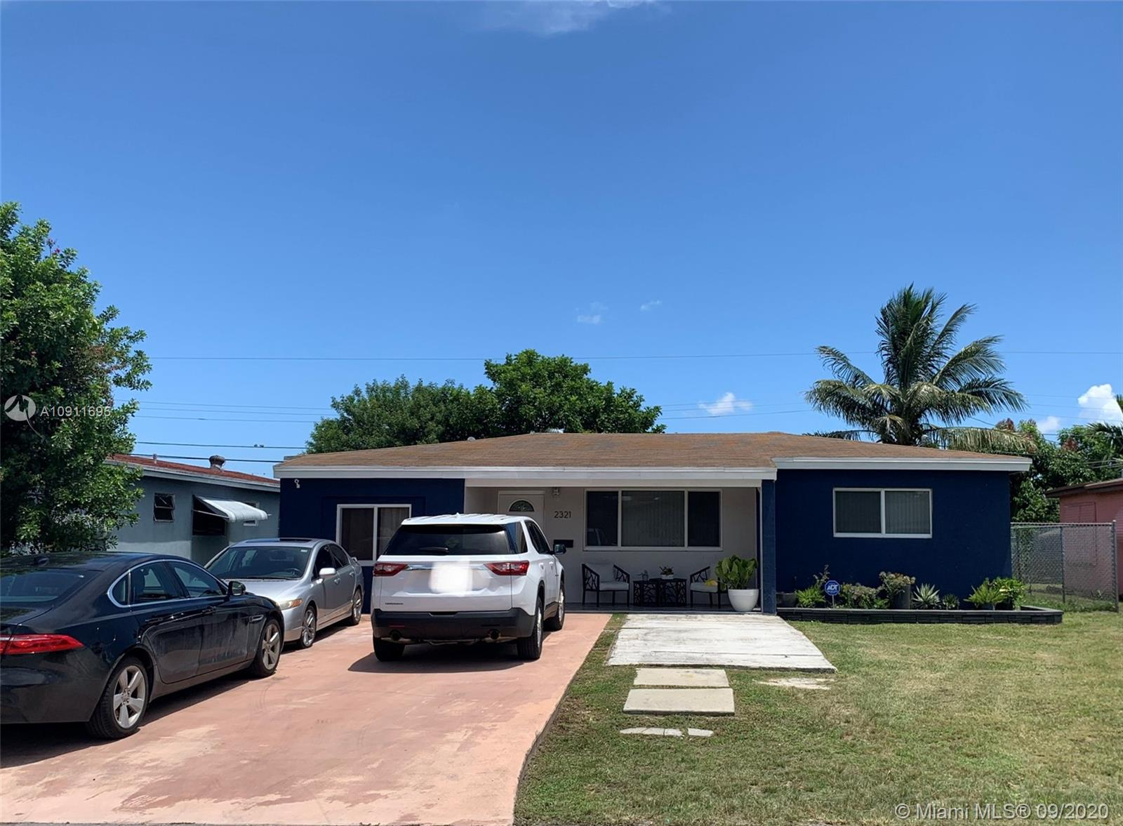 2321  Arcadia Dr  For Sale A10911695, FL