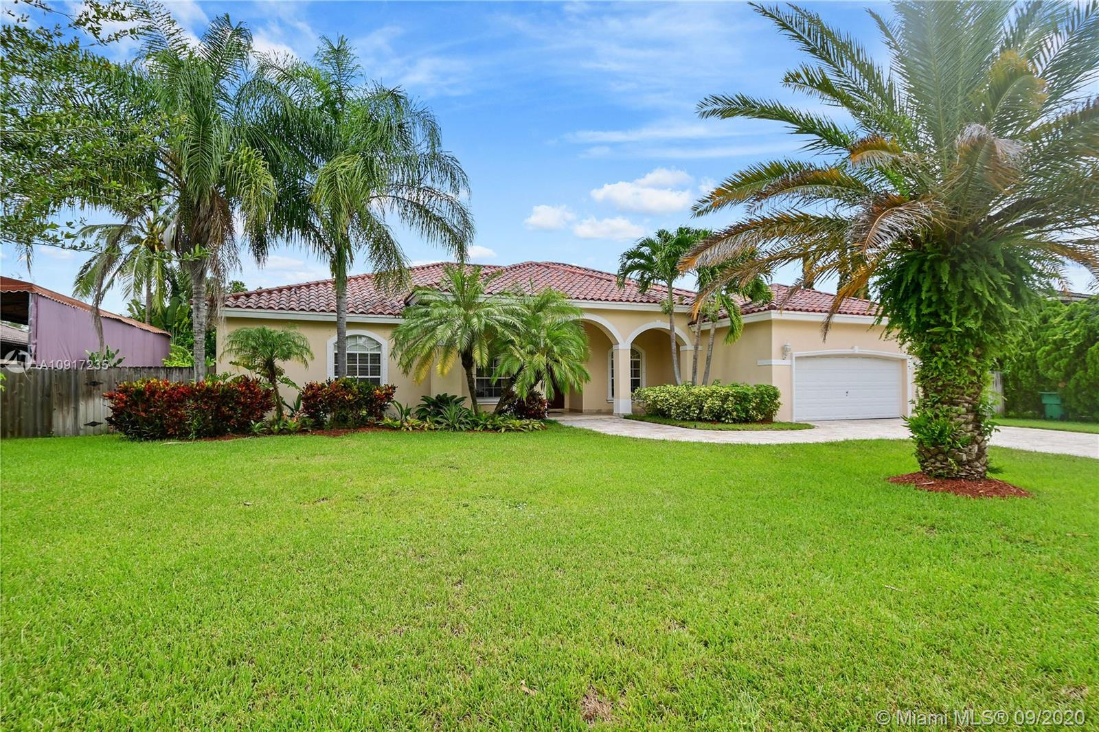 17051 SW 91st Ave  For Sale A10917235, FL