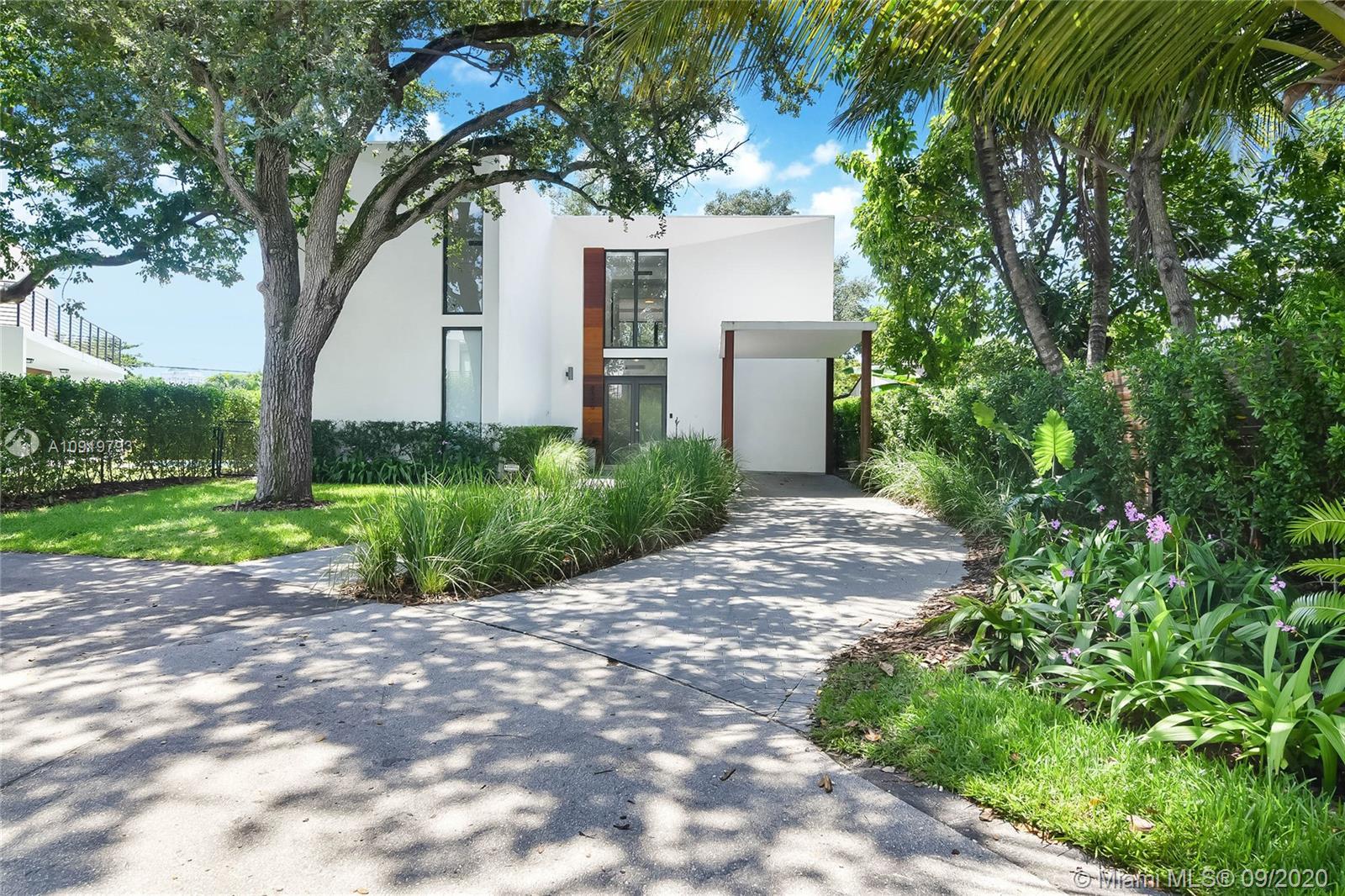 8550  Arboretum Ln  For Sale A10919793, FL