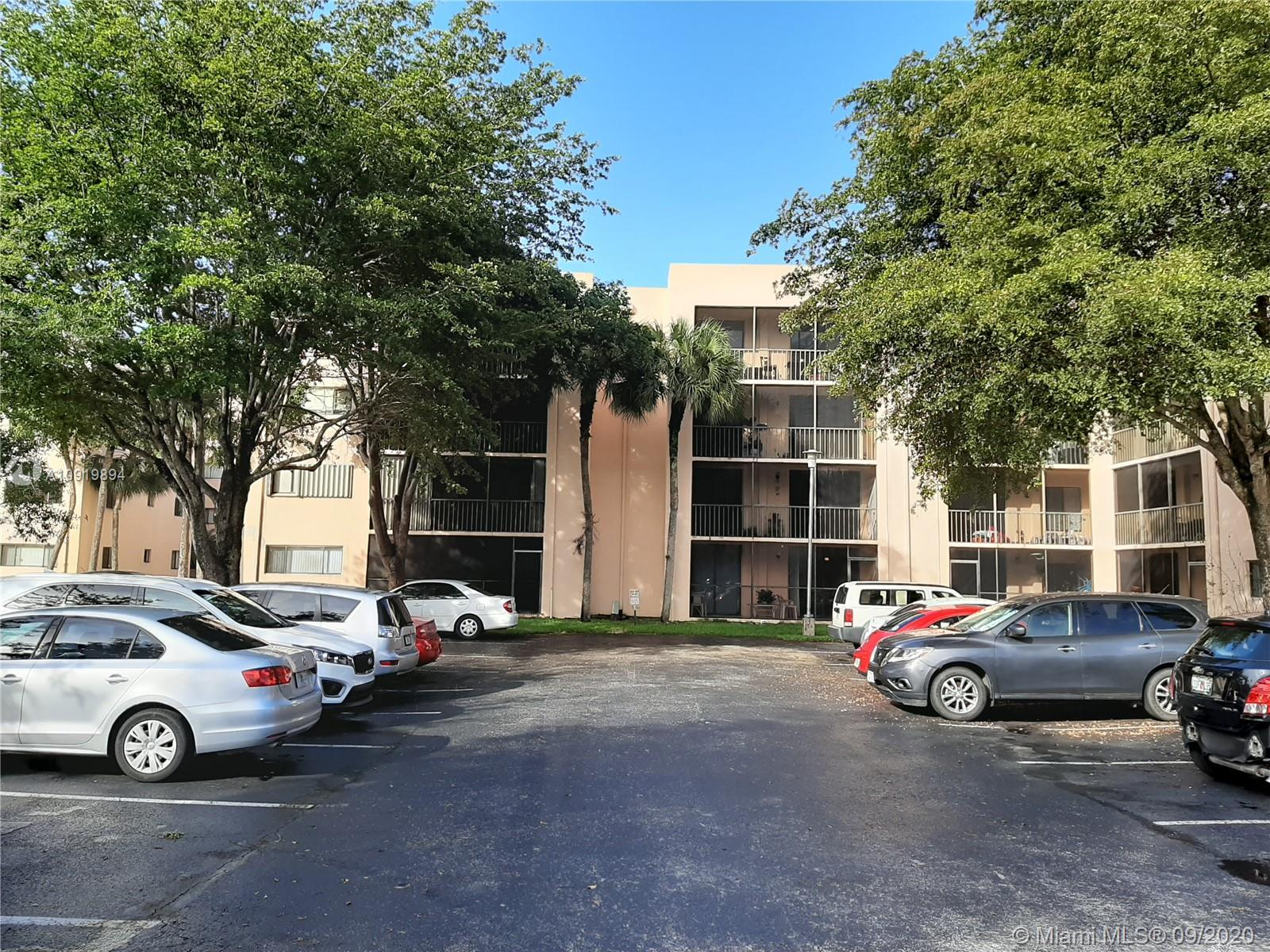 3/2 Condo. Gated community w/24 hour security in the heart of Kendall. Ceramic tile thru-out, storage closet & large screened balcony. Spacious kitchen with breakfast area. Washer and Dryer in every floor. Community has lots amenities, plenty of guest parking spaces, tropical gardens, club House, 4 tennis/racquetball courts, 4 large pools, BBQ area, guard entry. NO PETS ALLOWED BY ASSOC.