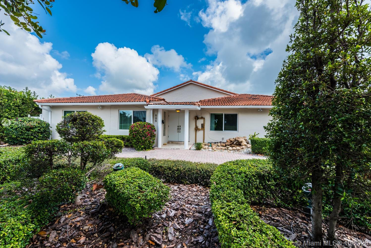 585  Fairway Dr  For Sale A10920254, FL