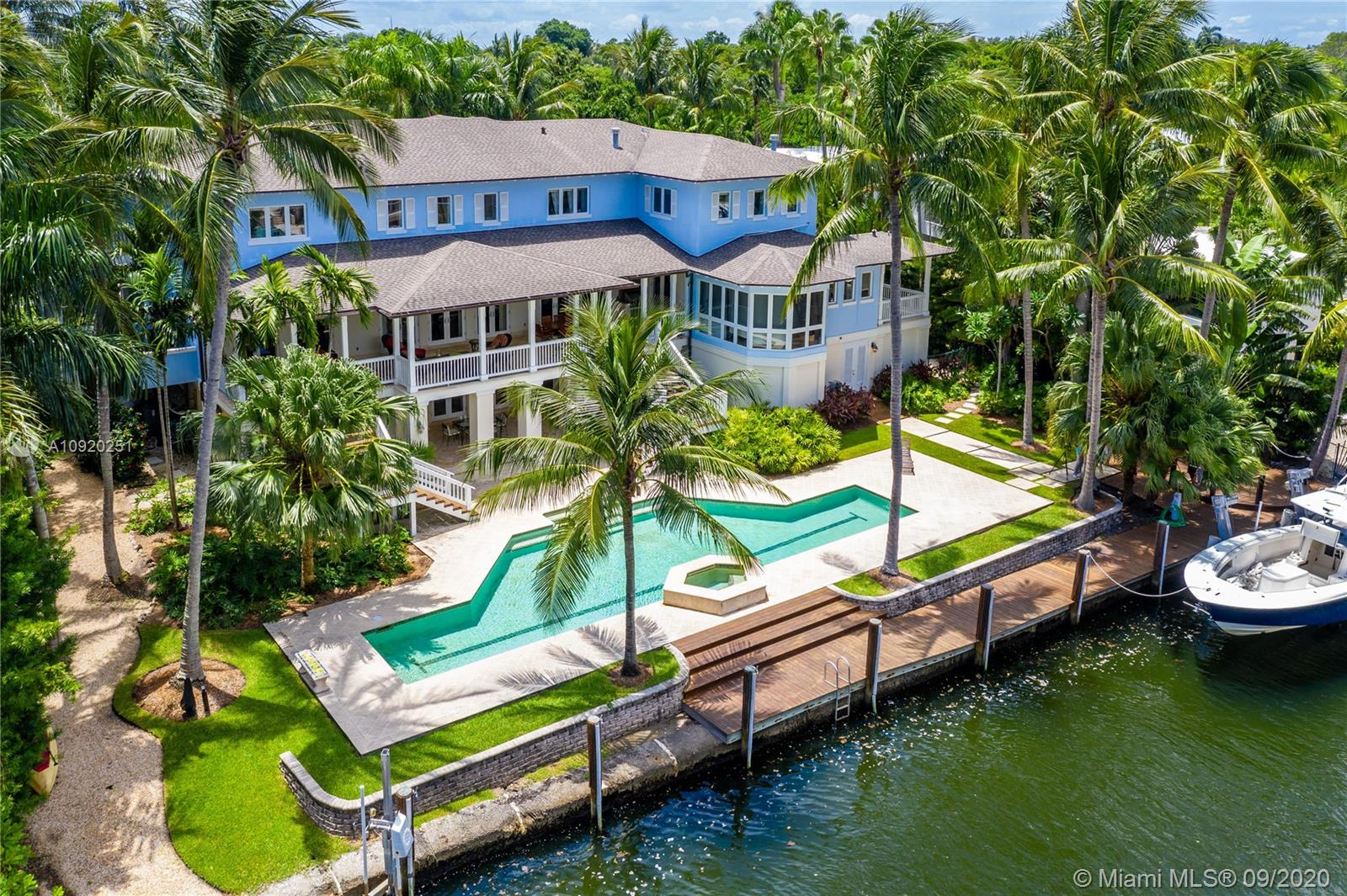 3311 S Moorings Way  For Sale A10920251, FL
