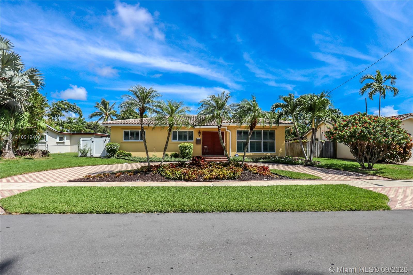 1311  Rodman St  For Sale A10919400, FL