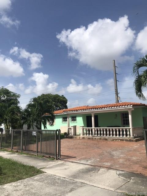 8400 NW 35th Pl  For Sale A10908188, FL