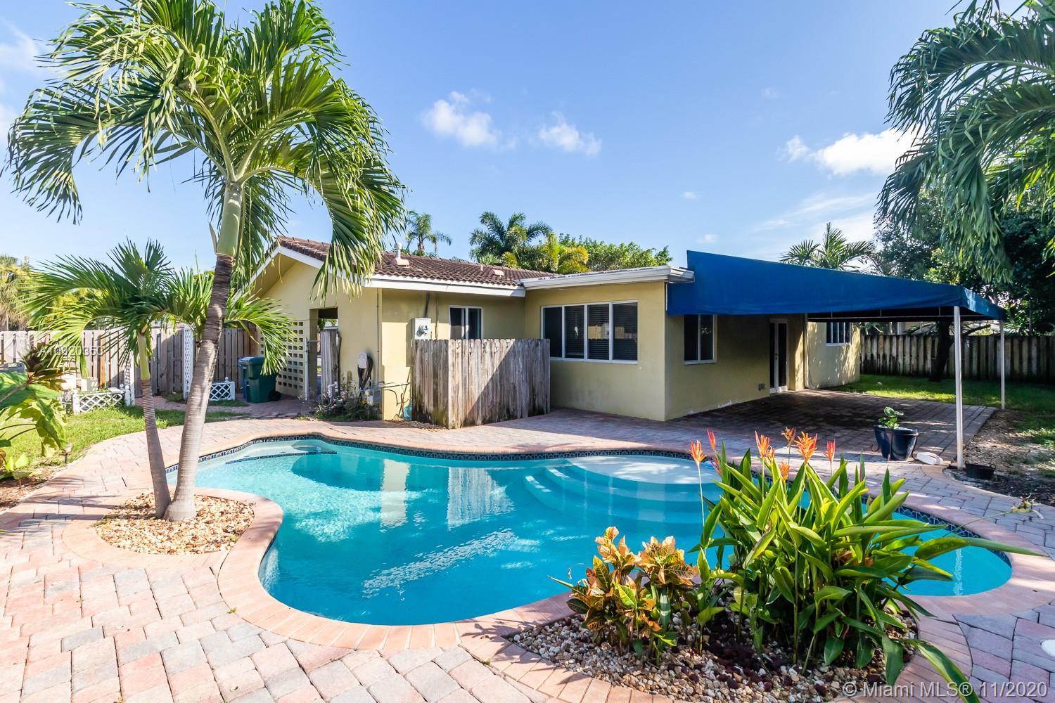 LARGE BEAUTIFUL 3/2 CORNER POOL HOME!! AMAZING OPPORTUNITY OAKLAND PARK  IN THE DESIRABLE NEIGHBORHOOD OF CORAL WOODS!  PERFECT HOME FOR ENTERTAINING! LOTS OF SPACE AND NATURAL LIGHT. LARGE DRIVEWAY WITH PLENTY ROOM FOR PARKING. PRIVATE POOL WITH COVERED PATIO. 5 MINUTES TO THE BEACHES, SHOPPING CENTER, GYM AND RESTAURANTS. NEW A/C (07/2020)