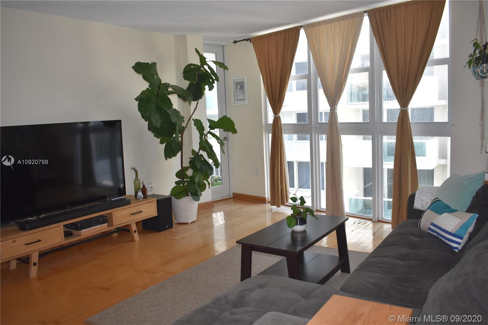 1228  West Ave #1212 For Sale A10920798, FL