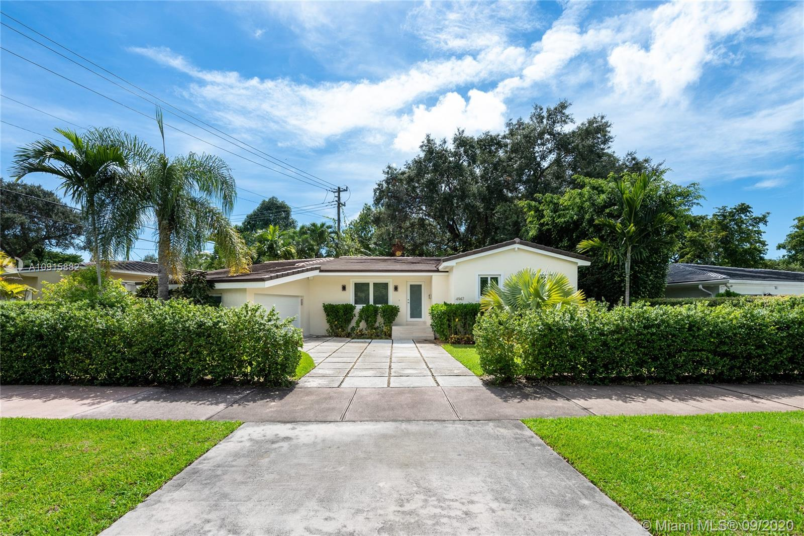 4947  Riviera Dr  For Sale A10915882, FL
