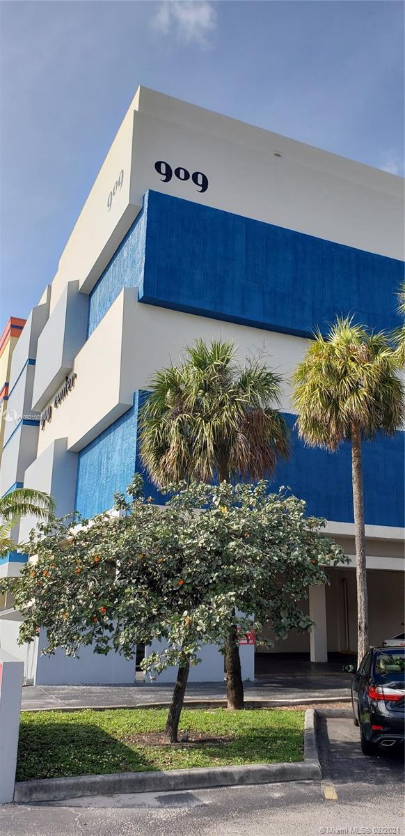 909 N Miami Beach Blvd #203 For Sale A10921083, FL