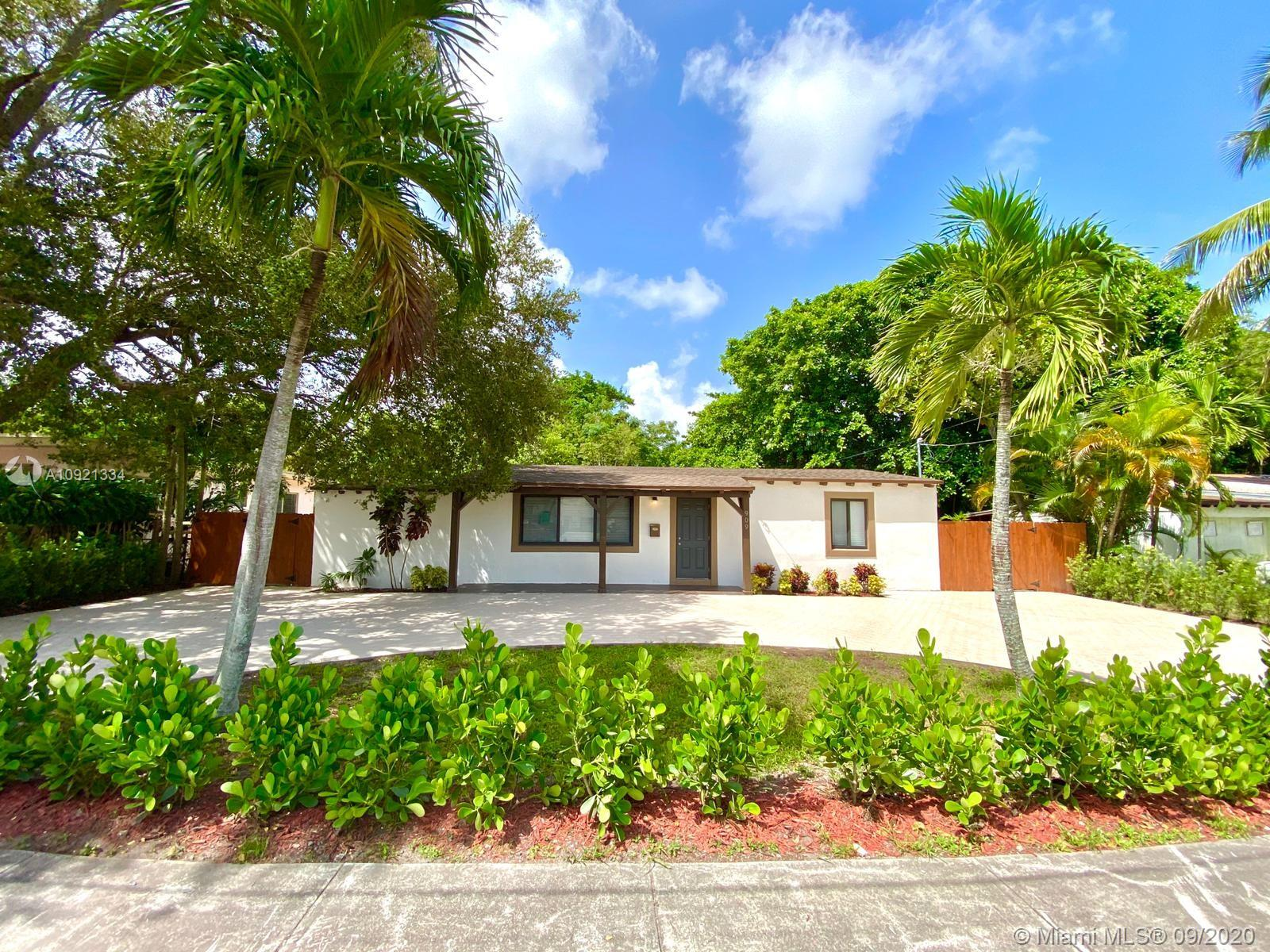 909 NE 126th St  For Sale A10921334, FL