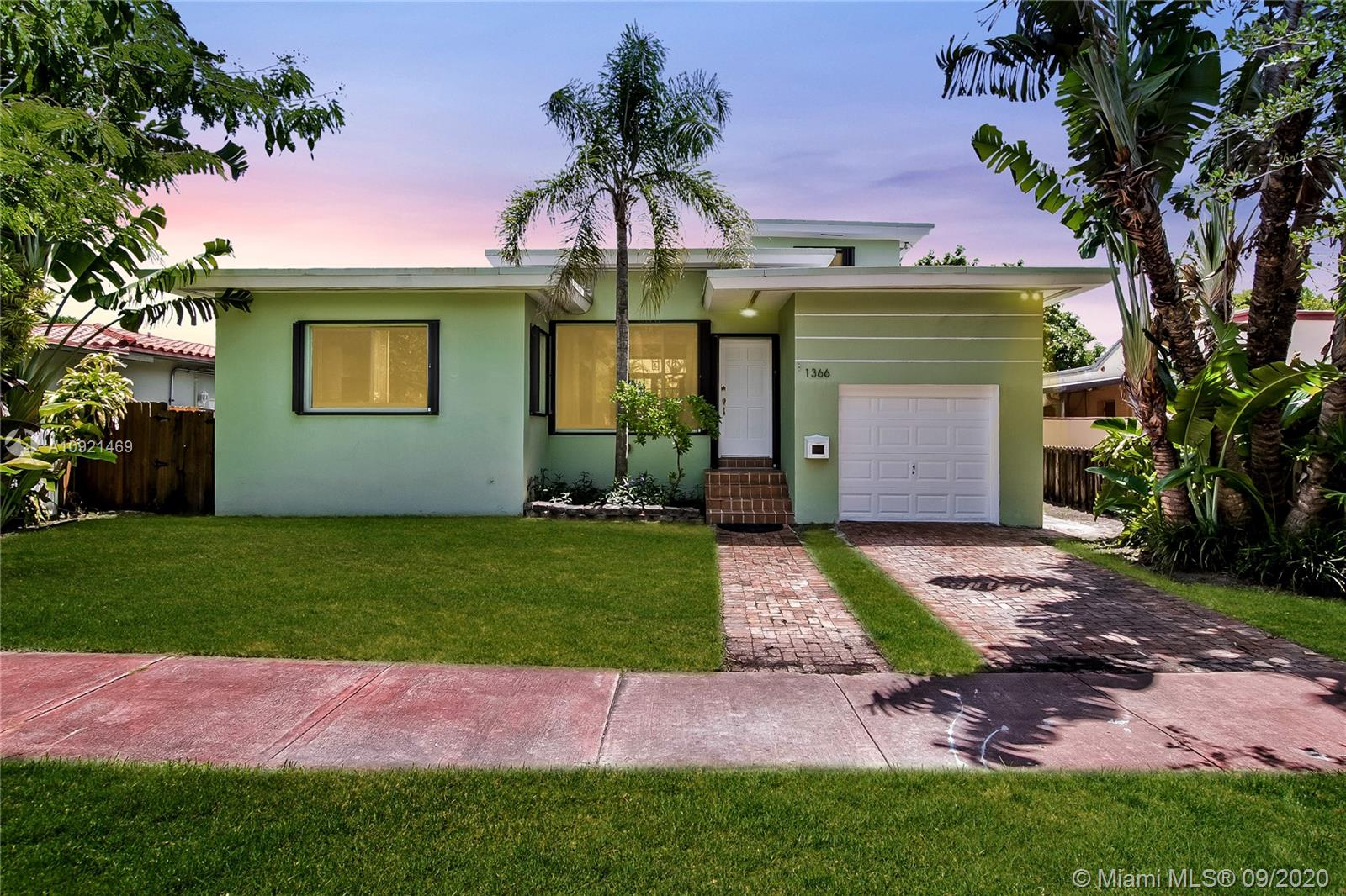 1366  Biarritz Dr  For Sale A10921469, FL