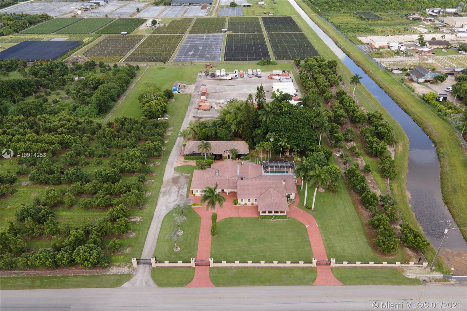 26755 SW 202nd Ave  For Sale A10914253, FL