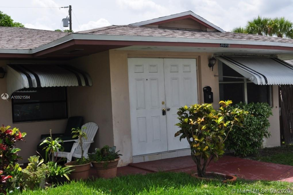 GREAT ATTACHED 1 BEDROOM 1 BATH HOUSE TILE THROUGHOUT WITH PRIVATE BACK YARD AND ROOM TO PARK IN THE FRONT TENANTS OCCUPIED DO NOT DISTURB.