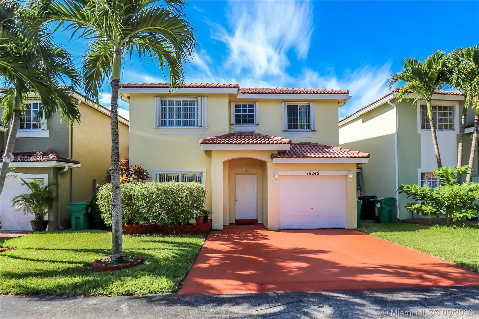 16242 SW 100th Ter  For Sale A10921495, FL