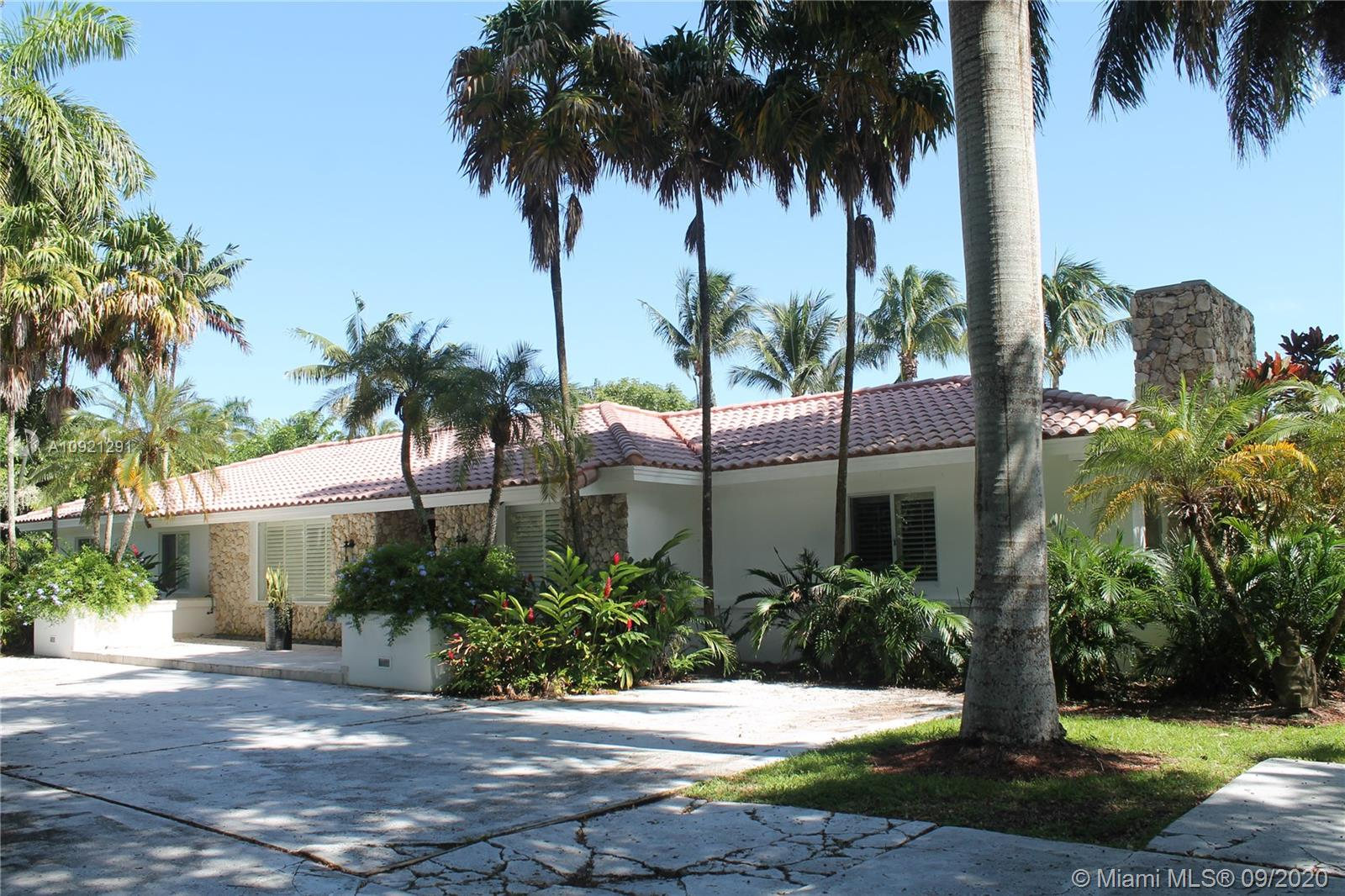 7150 SW 98th St  For Sale A10921291, FL