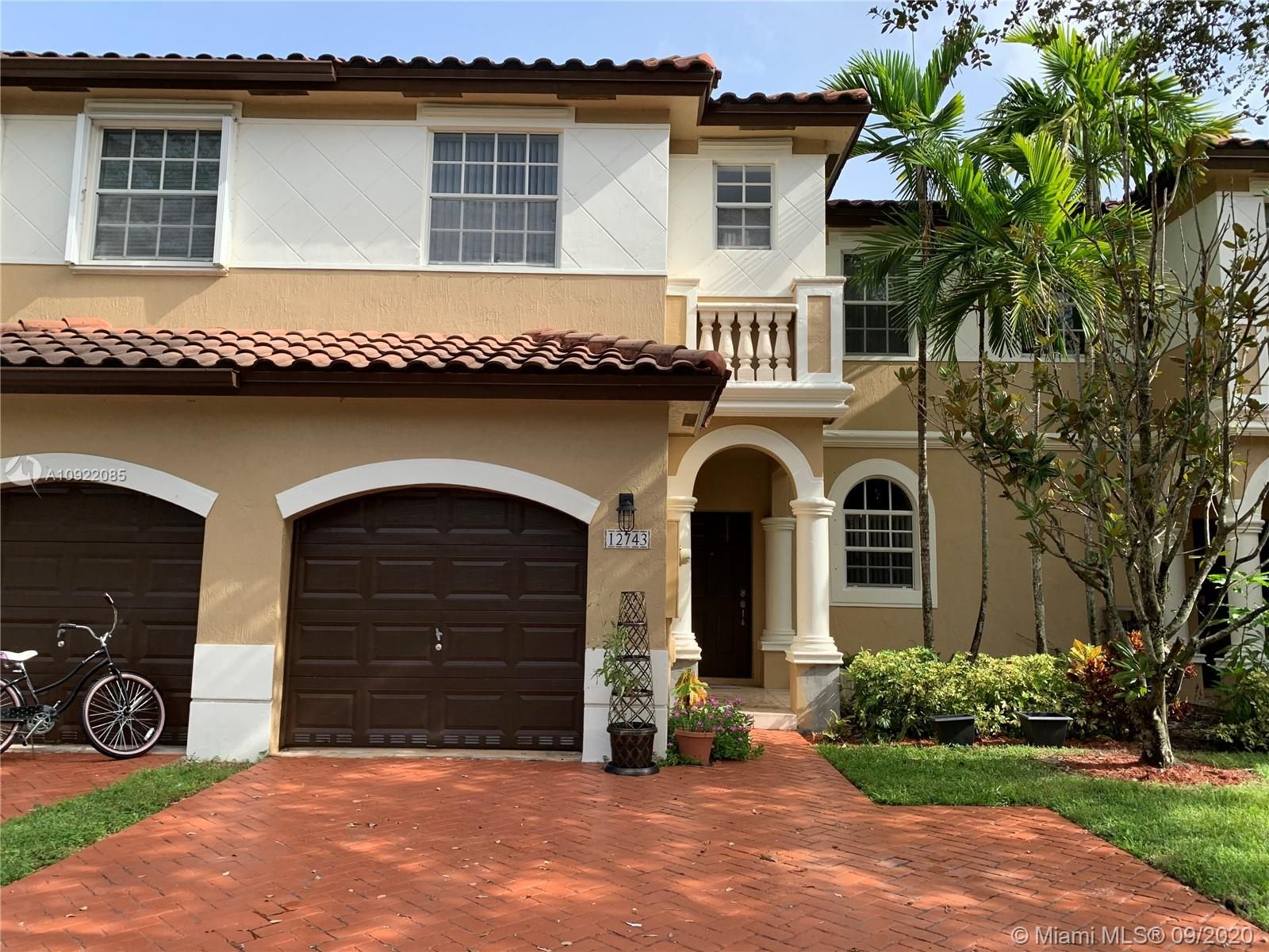 12743 SW 49th Ct  For Sale A10922085, FL