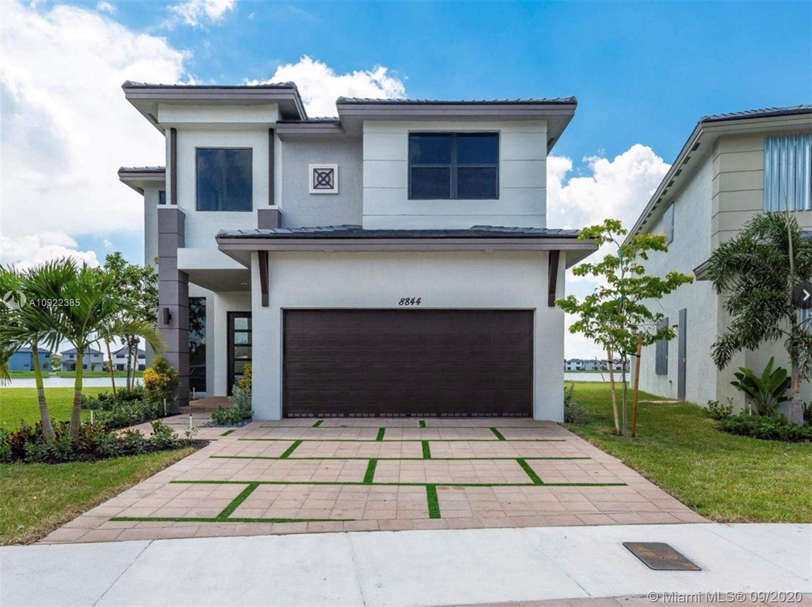 8844 NW 160th Ter #8844 For Sale A10922385, FL