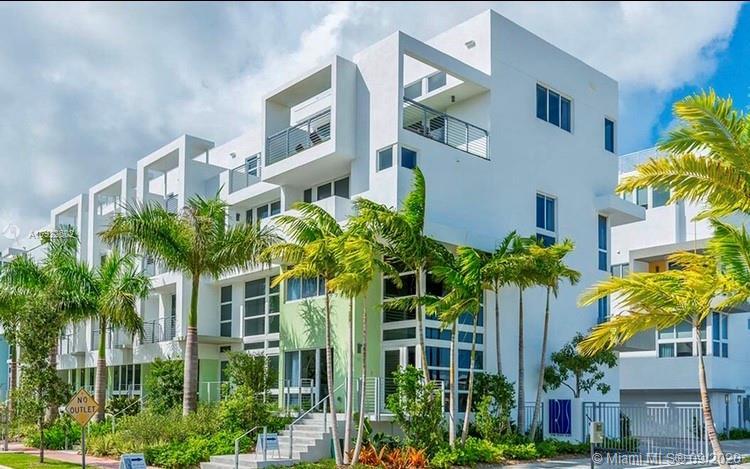71 N Shore Dr #71 For Sale A10922602, FL