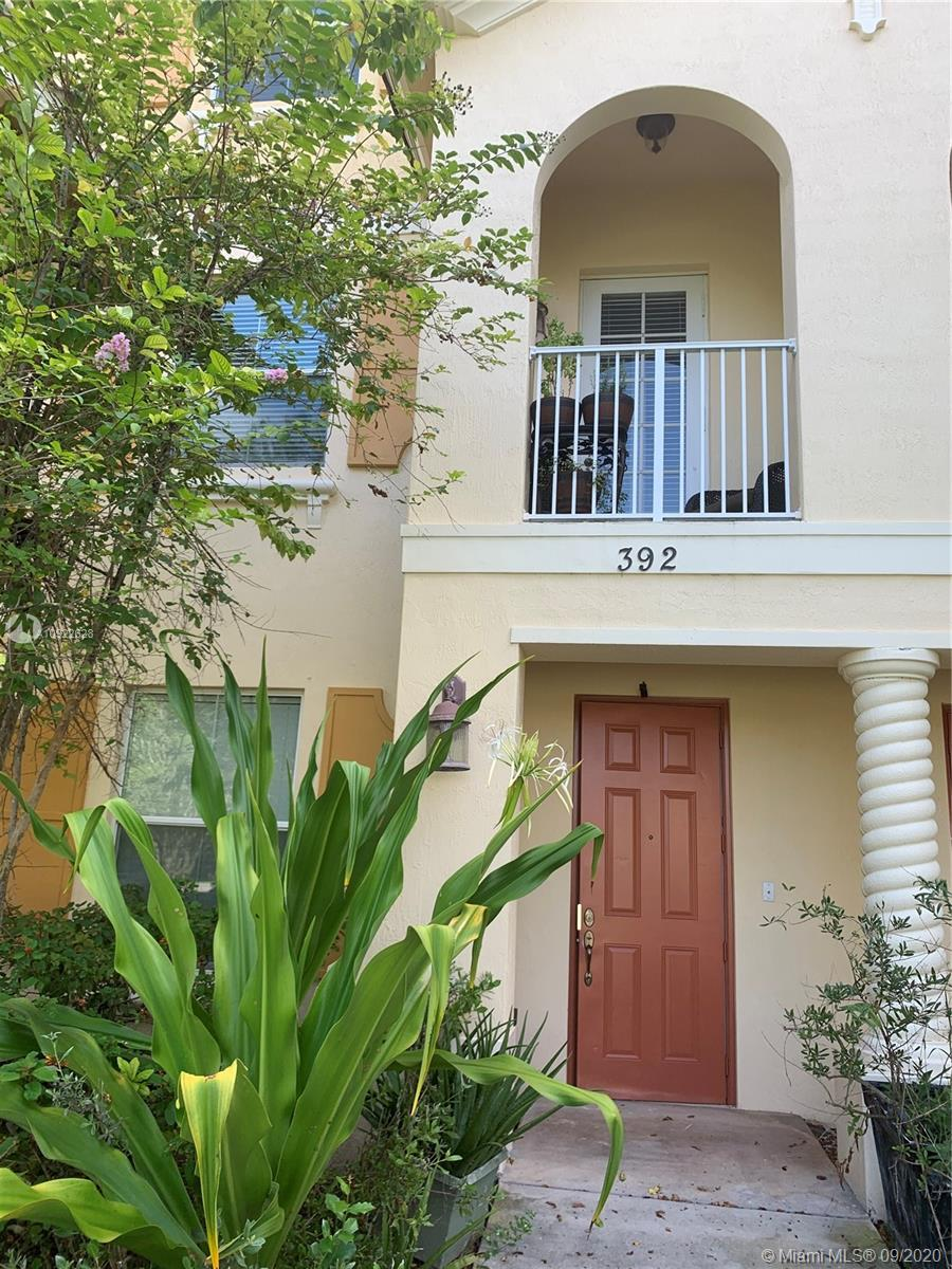 BEAUTIFUL 3-STORY TOWNHOUSE IN DESIRABLE WHISPERING TRAILS. TOTALLY RENOVATED 4 BEDROOMS 4 BATHROOMS TOWNHOUSE. PORCELAIN FLOORS, KITCHEN AND LIVINGROOM ON A SECOND FLOOR. MASTER AND TWO OTHER BEDROOMS ON THIRD LEVEL. ONE BEDROOM WITH BATHROOM ON FIRST FLOOR CAN BE USED AS AN OFFICE.