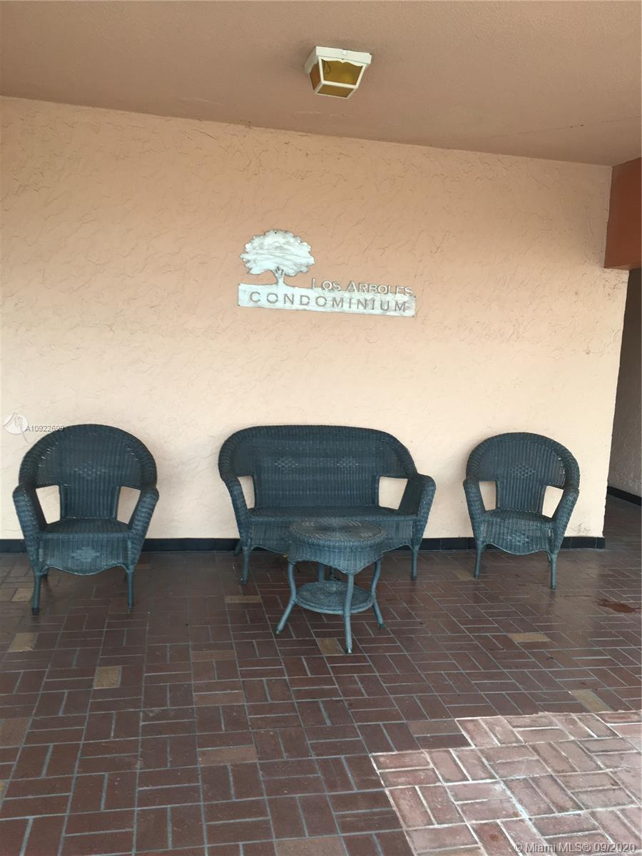 1900 W 68th St #I302 For Sale A10922699, FL