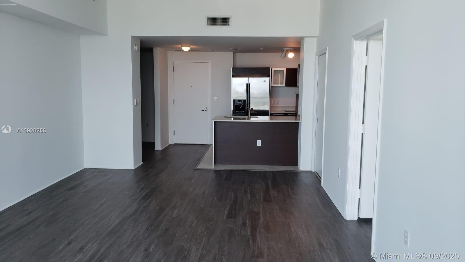 Beautiful apartment, 1 bedroom, 1.5 Bathroom *** Spacious Den with closet that you can use as a second bedroom or as a studio *** New washer / dryer *** Laminate floor *** Beautiful city view and partial bay view . Very close to Downtown, Miami Beach, Wynwood, Art District, Midtown, and Airport. The park across the street offers tennis courts, basketball courts, volleyball.