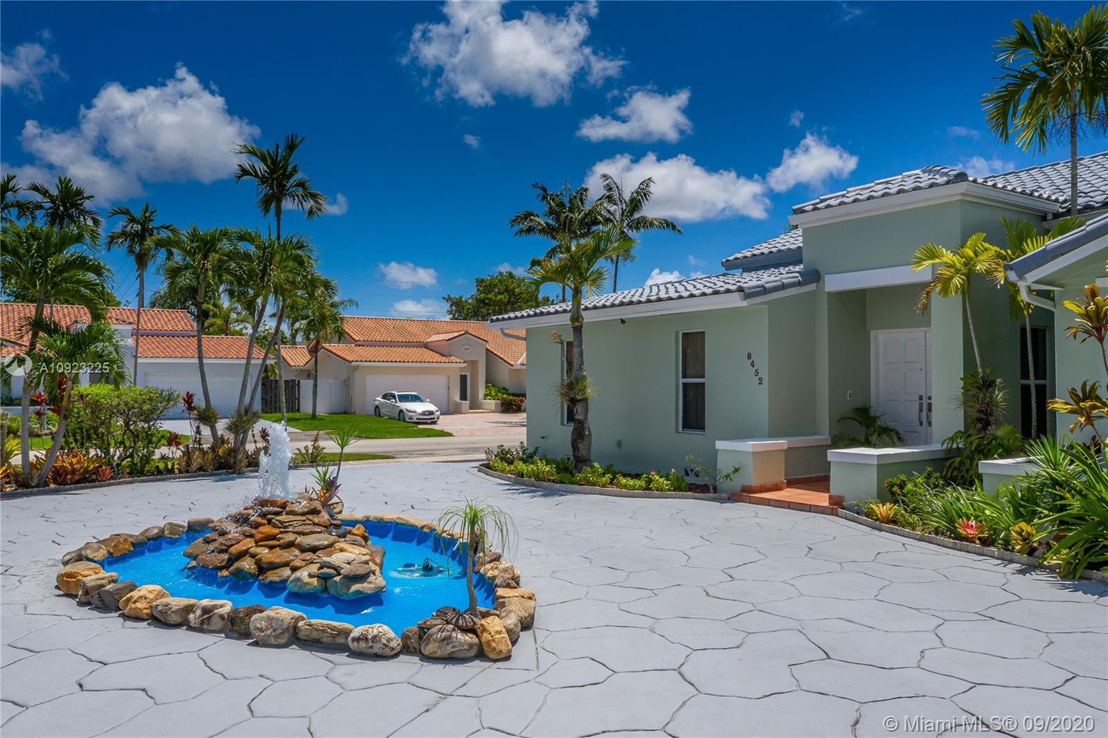 8452 SW 82nd Ter  For Sale A10923225, FL