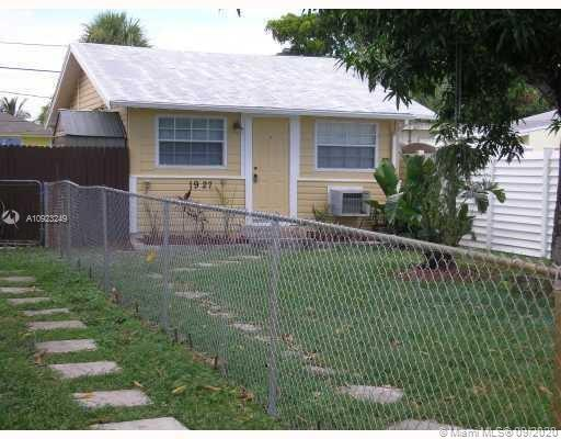 1927  Cleveland St  For Sale A10923249, FL