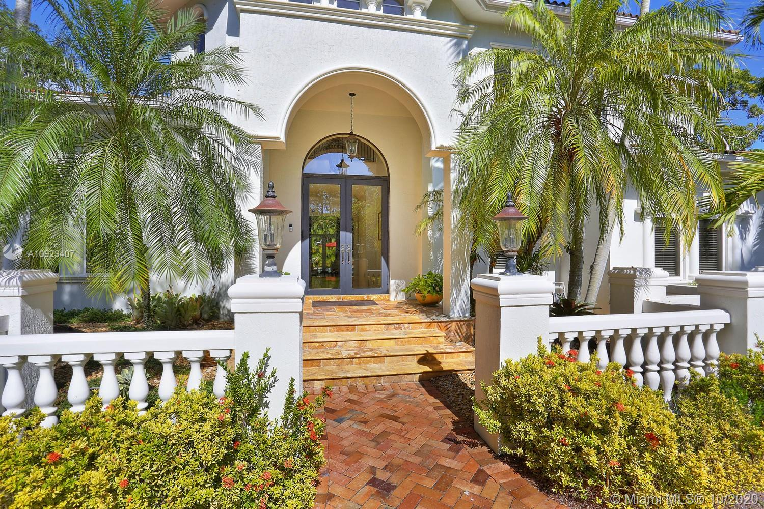 11015 SW 69th Ave  For Sale A10923407, FL