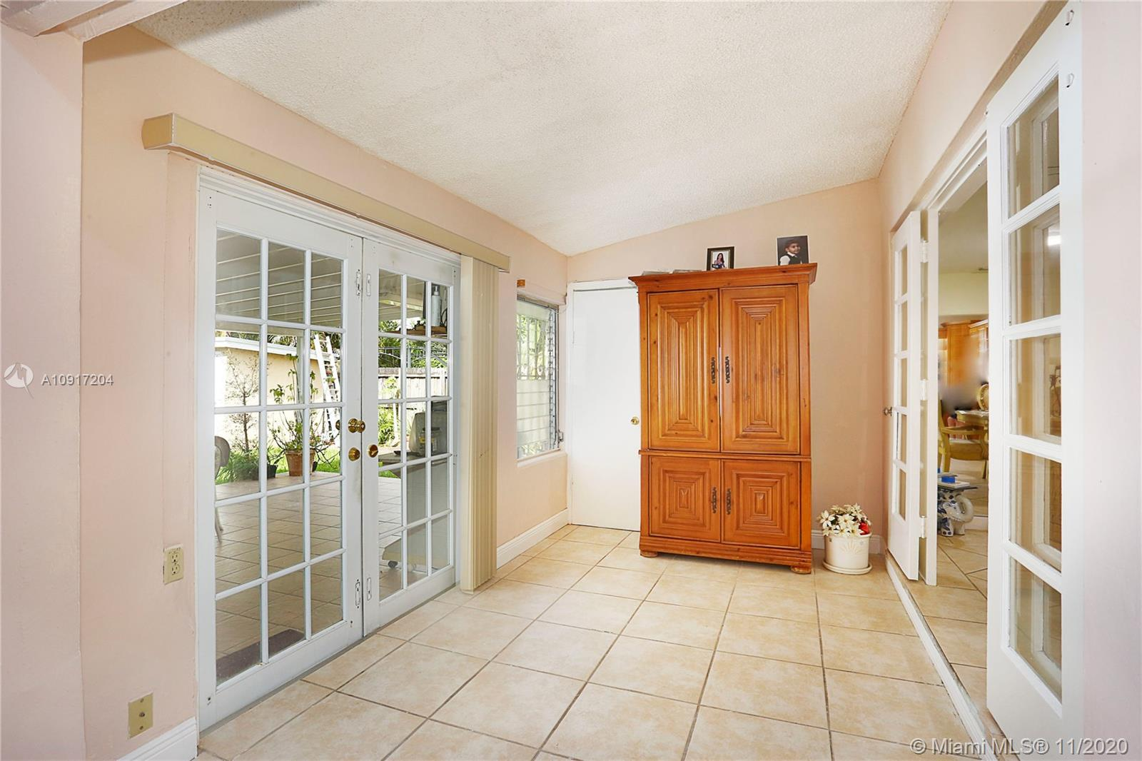 4737 SW 5 Ter  For Sale A10917204, FL