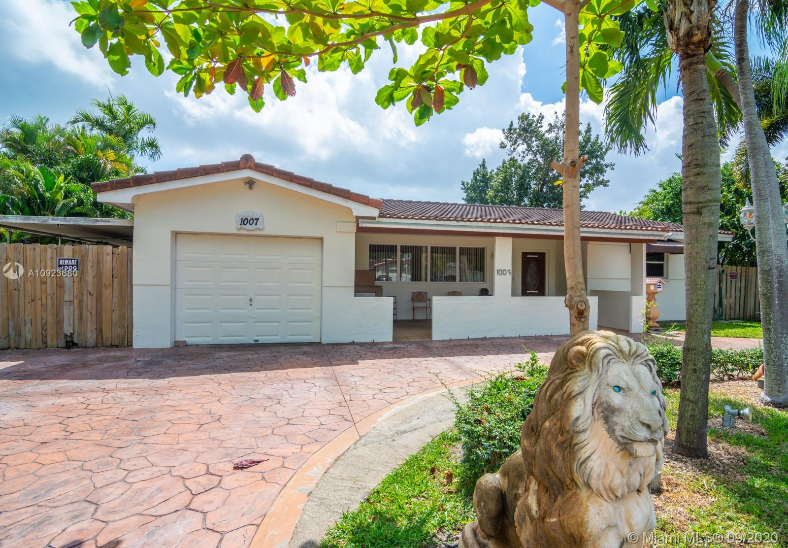1007 N 46th Ave  For Sale A10923680, FL