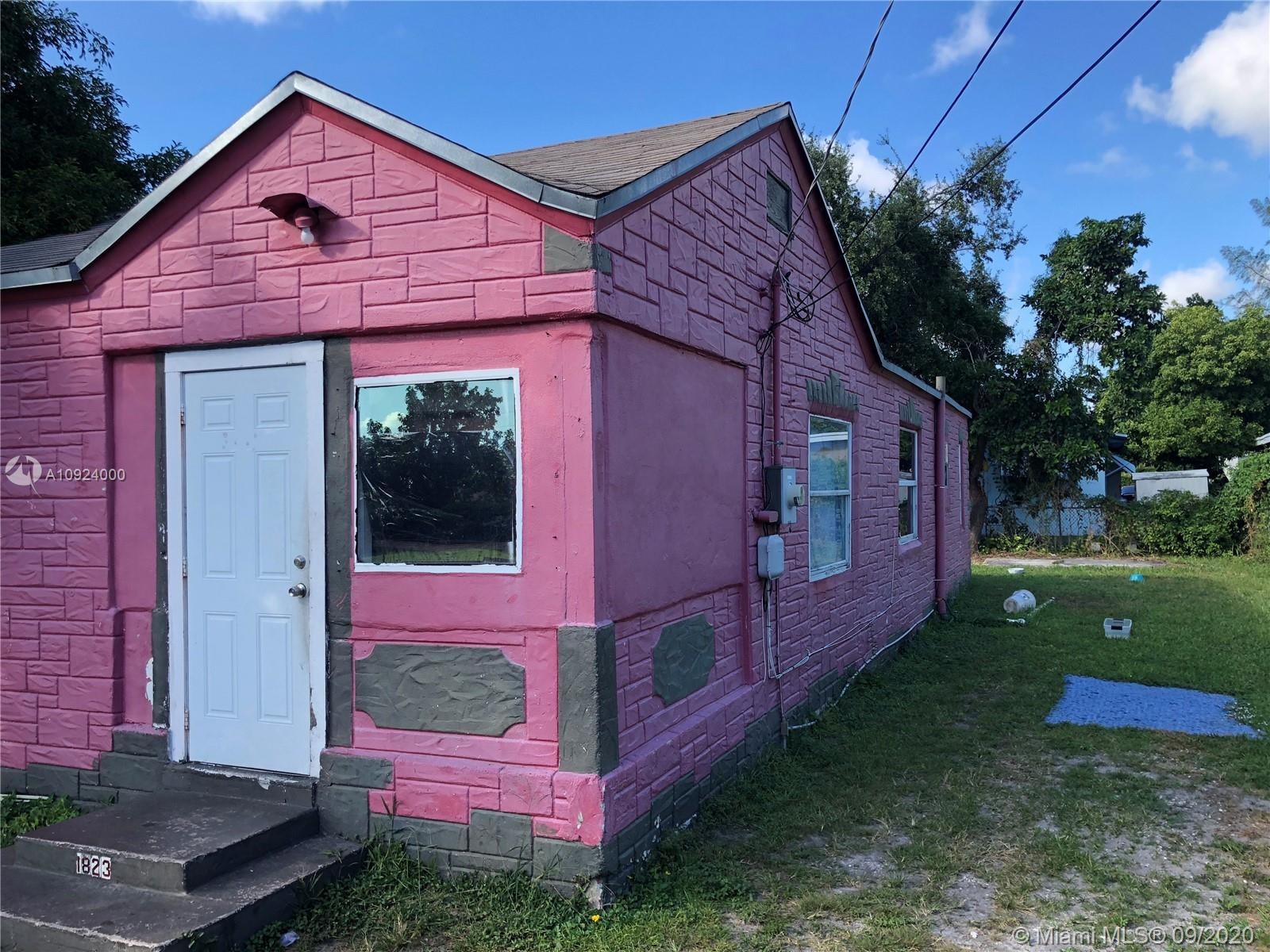 1823 NW 68th Ter  For Sale A10924000, FL