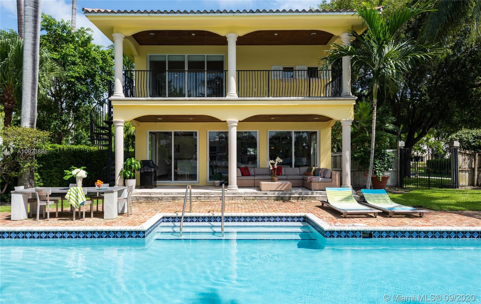 2770  Sunset Dr  For Sale A10923885, FL