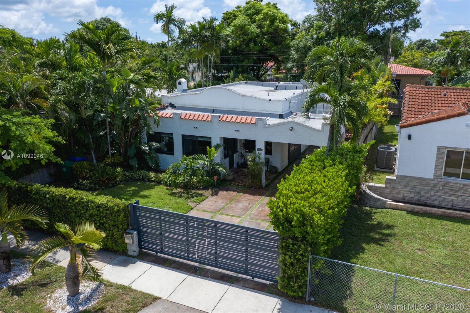 2264 SW 23rd Ter  For Sale A10920461, FL