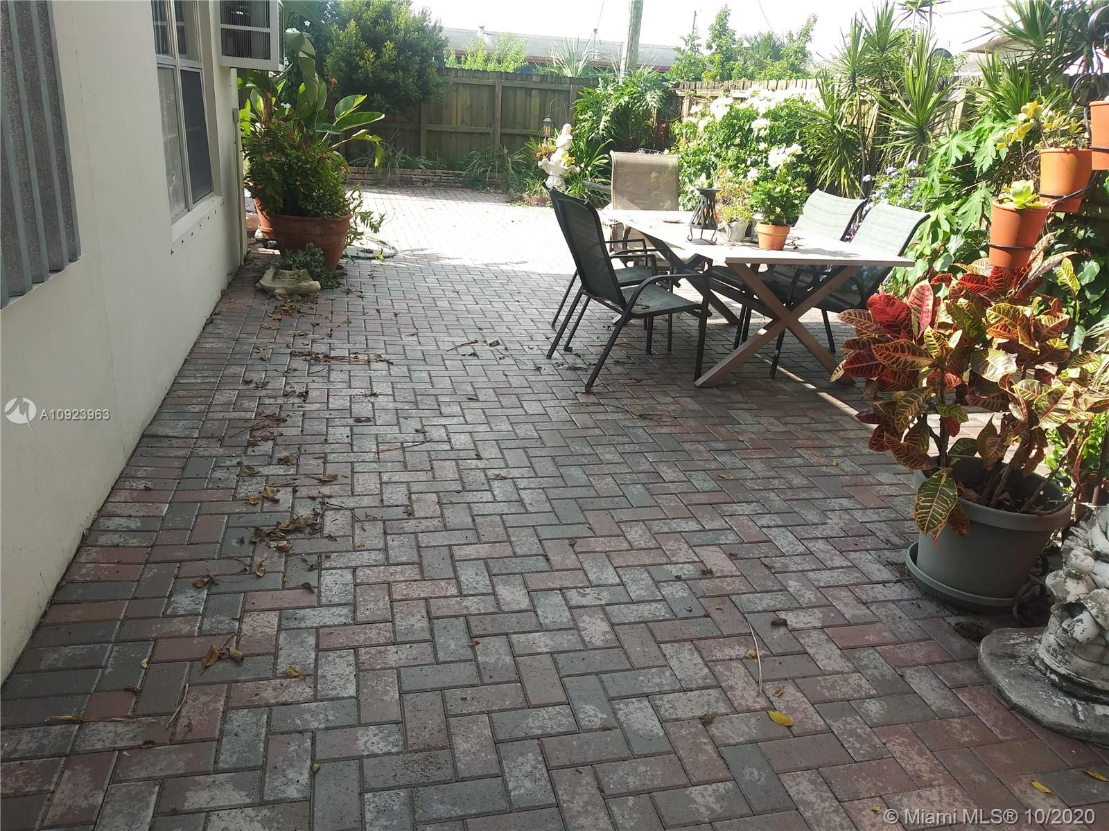 1621 NW 25th Ave  For Sale A10923963, FL