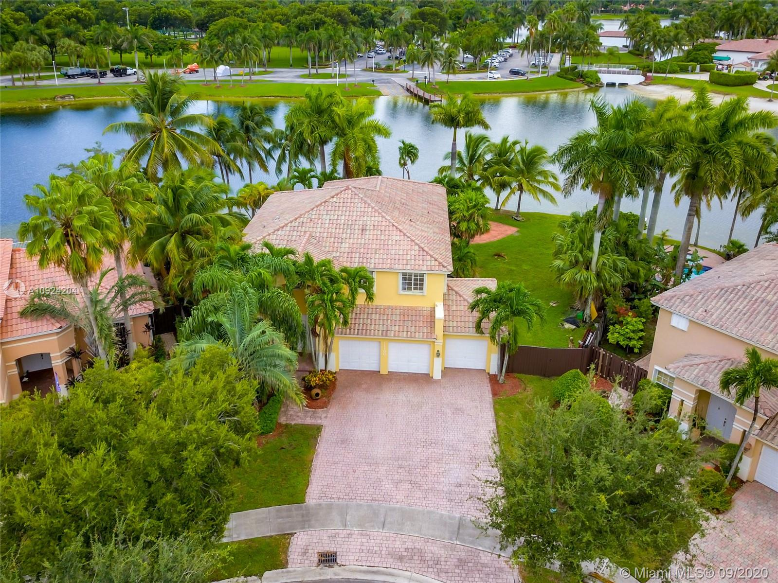 11190 NW 67th St  For Sale A10924204, FL