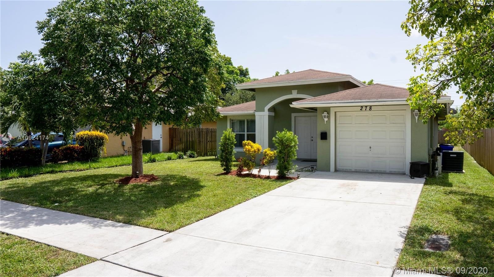 An amazing 3beds 2bath one car garage beauty in Deerfield beach!Well maintained in and out. All specious bedrooms, ceiling fans, new A/C , walk-in clost, hurricaine shutters. No HOA! Will not last.