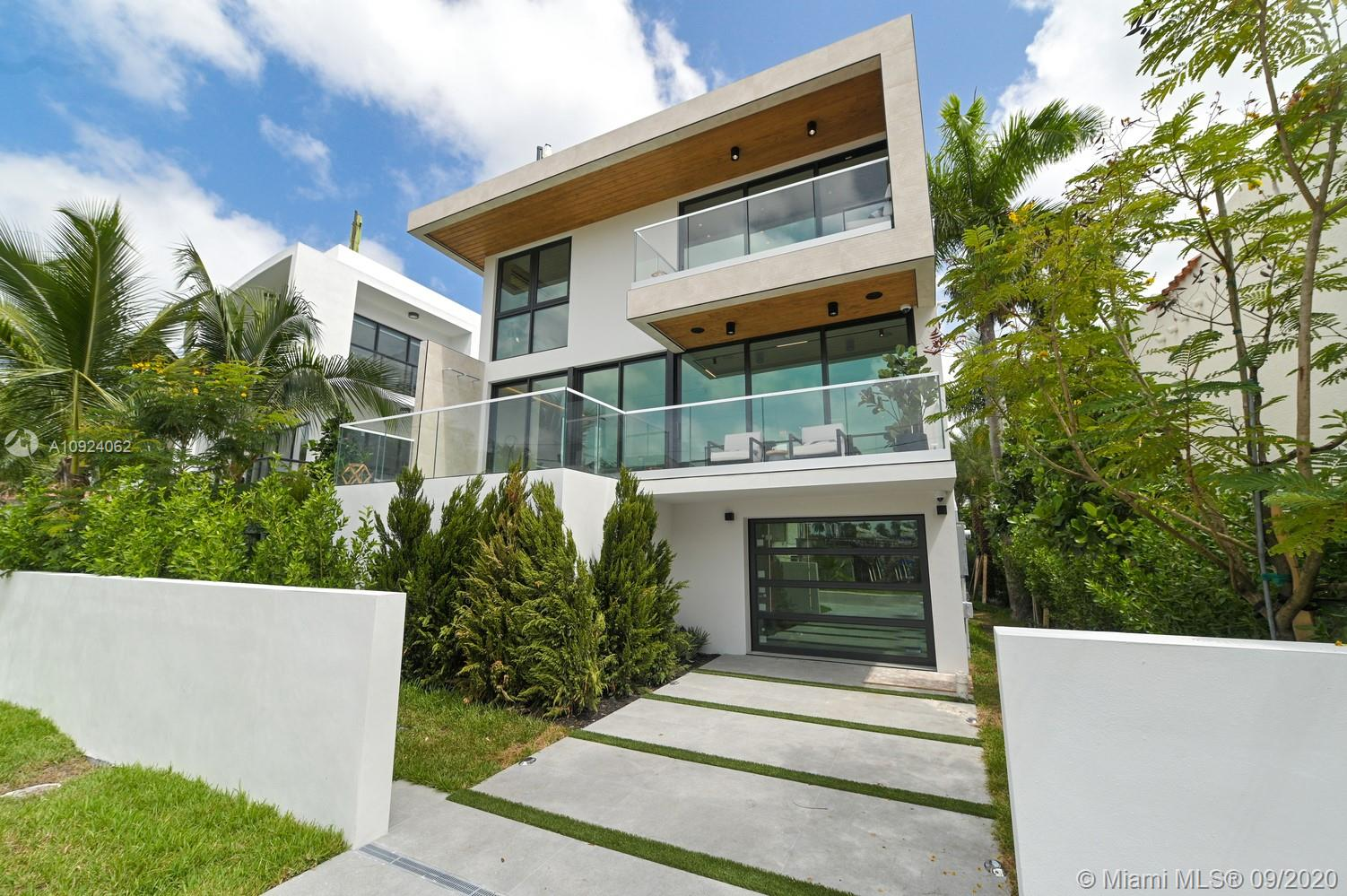 288  Palm Ave  For Sale A10924062, FL