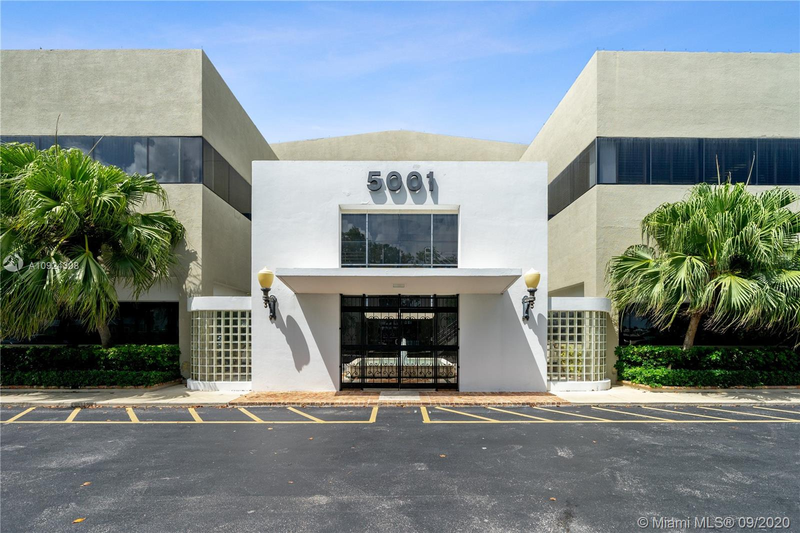 5001 SW 74 Ct #201 For Sale A10924308, FL