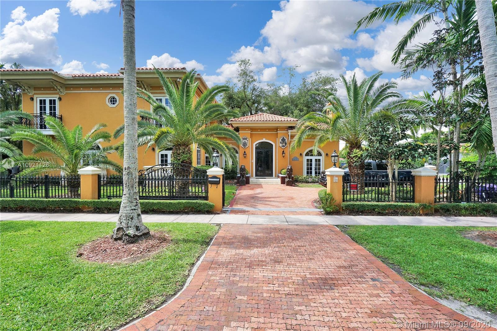 1224  Almeria Ave  For Sale A10921126, FL