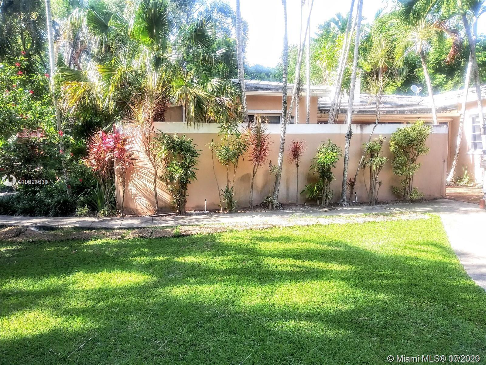 4085  Poinciana Ave  For Sale A10924611, FL