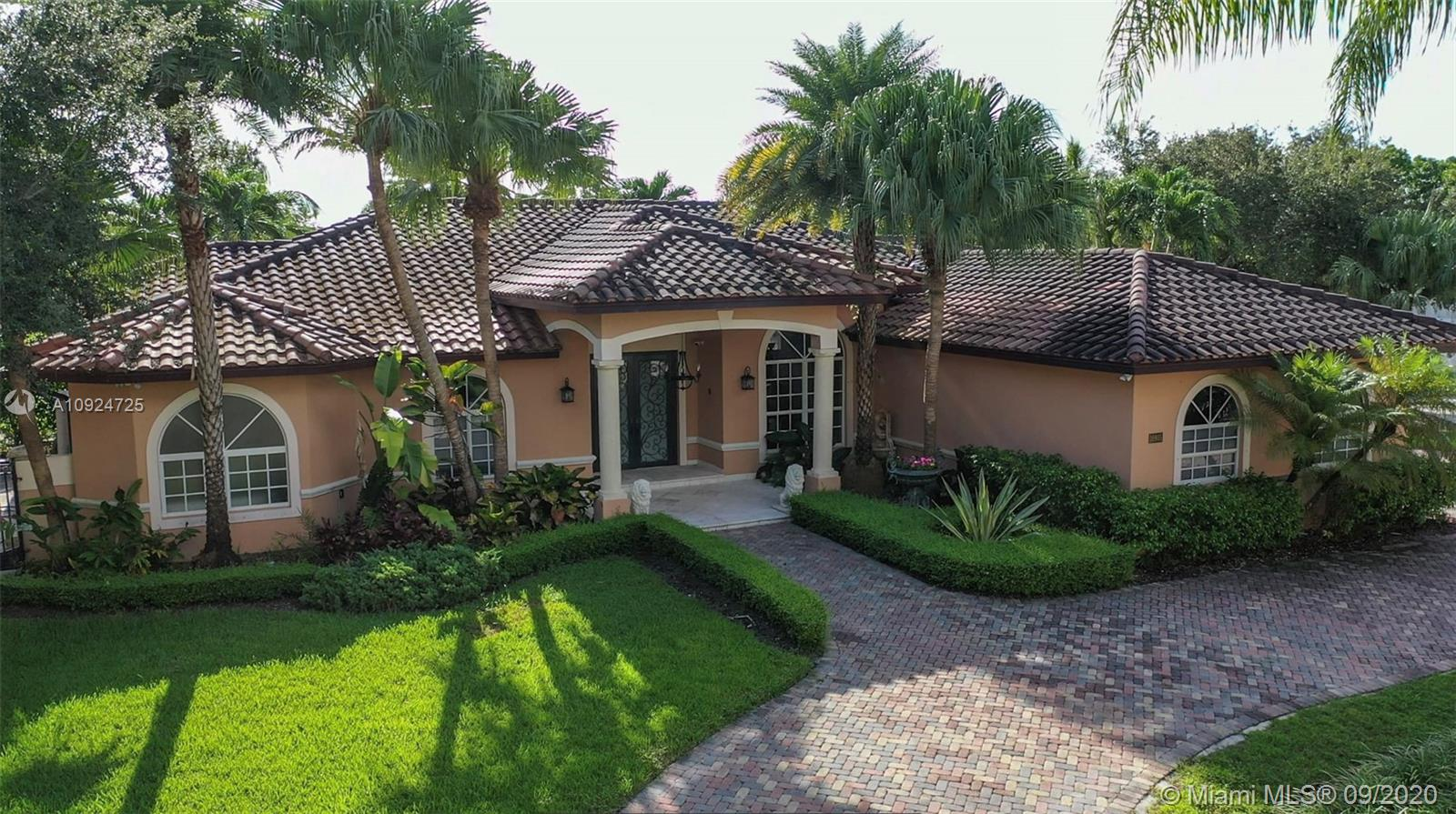16935 SW 84th Ct  For Sale A10924725, FL