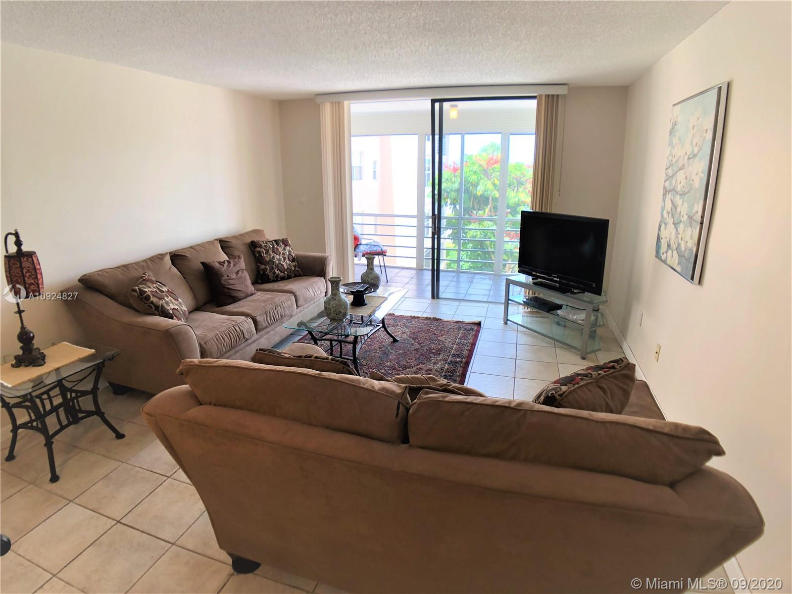 Beautiful 3rd-floord Corner unit. BRAND NEW AC. Gated Adult 55+ Community. Security 24/7. Spacious 2 bed, 2 baths with large bedrooms and a spacious living room for entertaining friends and family. Amenities include pool, tennis court, shuffleboard, and picnic areas. Cable/Tv included in maintenance fee. No pets policy. Rental after 3 years.