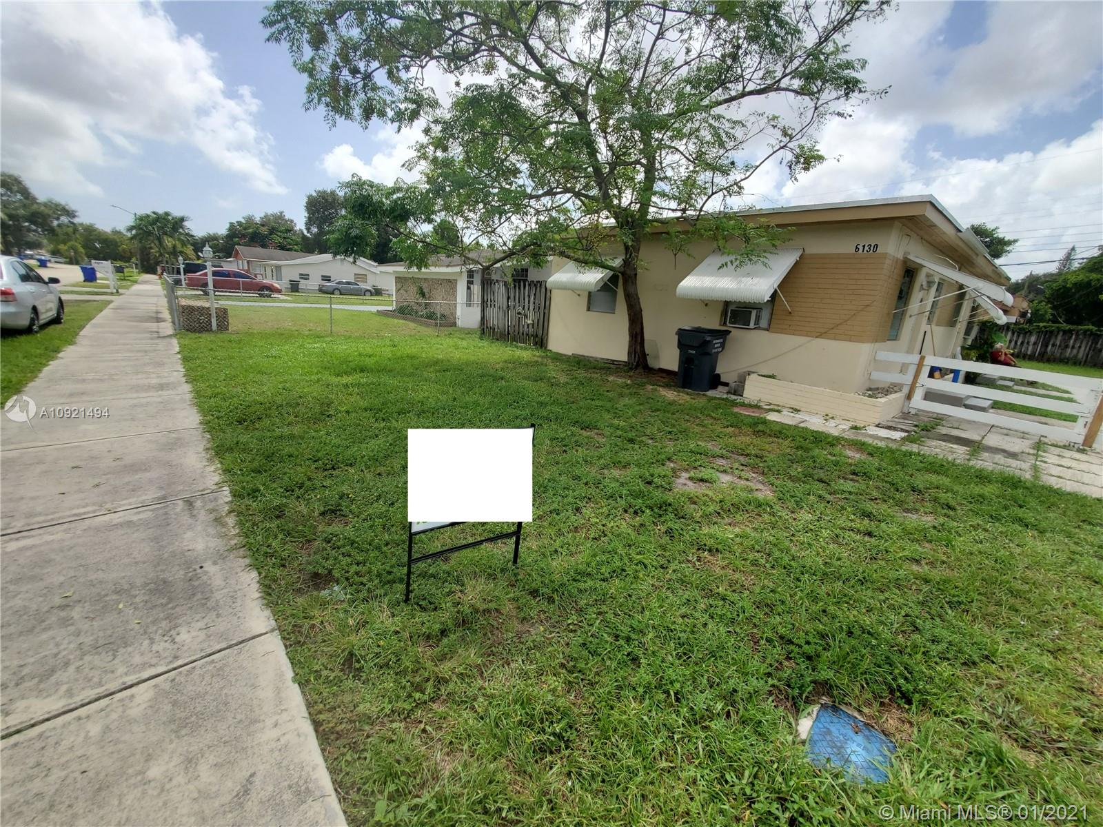 6130  Grant St  For Sale A10921494, FL