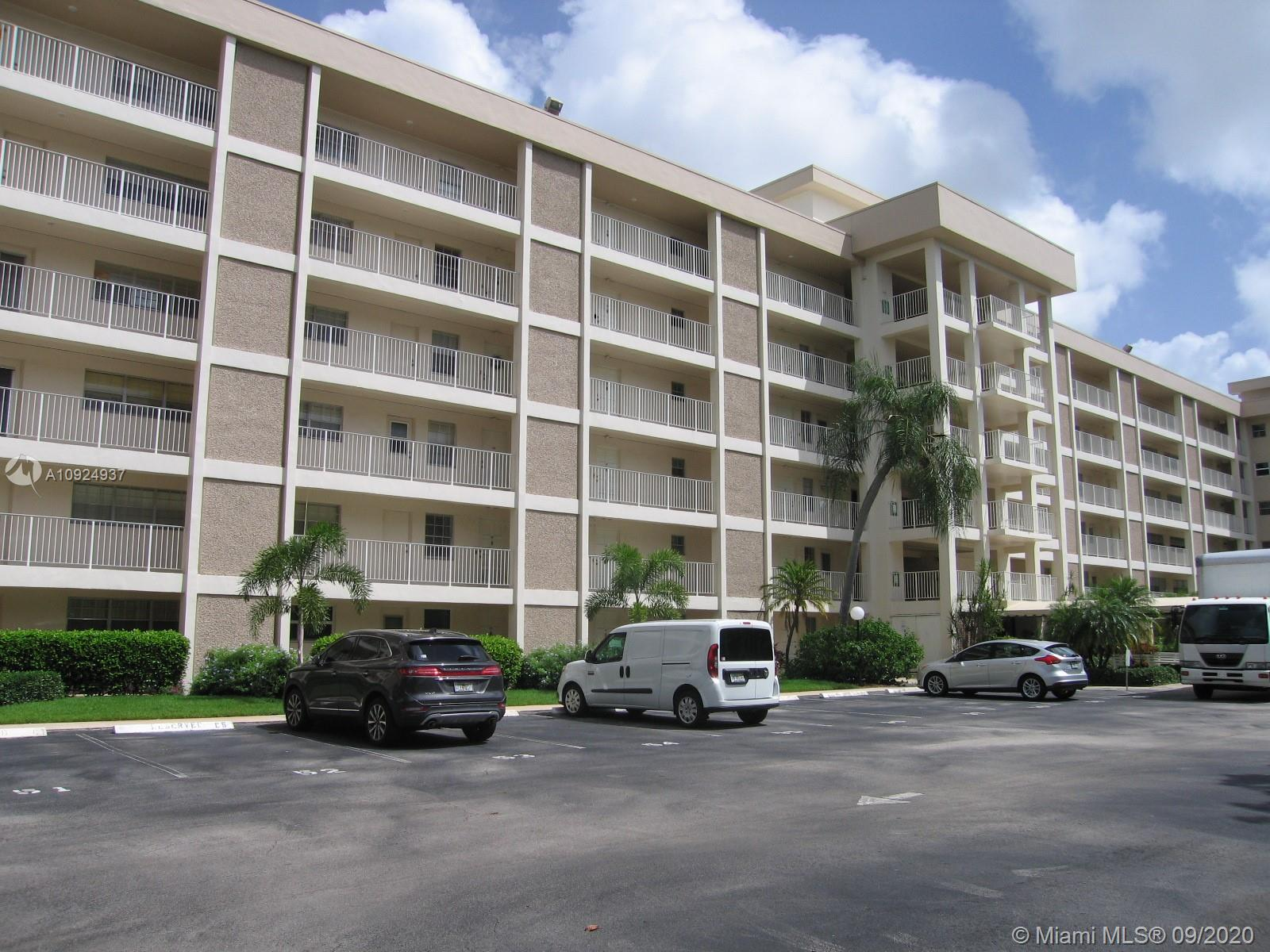 """Spectacular large corner unit, located in the popular """"Palm Aire Country Club"""". * Gorgeous golf course view from 5th floor balcony, 3 spacious bedrooms with natural light, 2 spacious bathrooms, clubhouse with two pools, Minutes to airport, restaurants, banks, Isle Casino / Harness Pista and sunny beaches * Great choice! Easy access to the building!"""