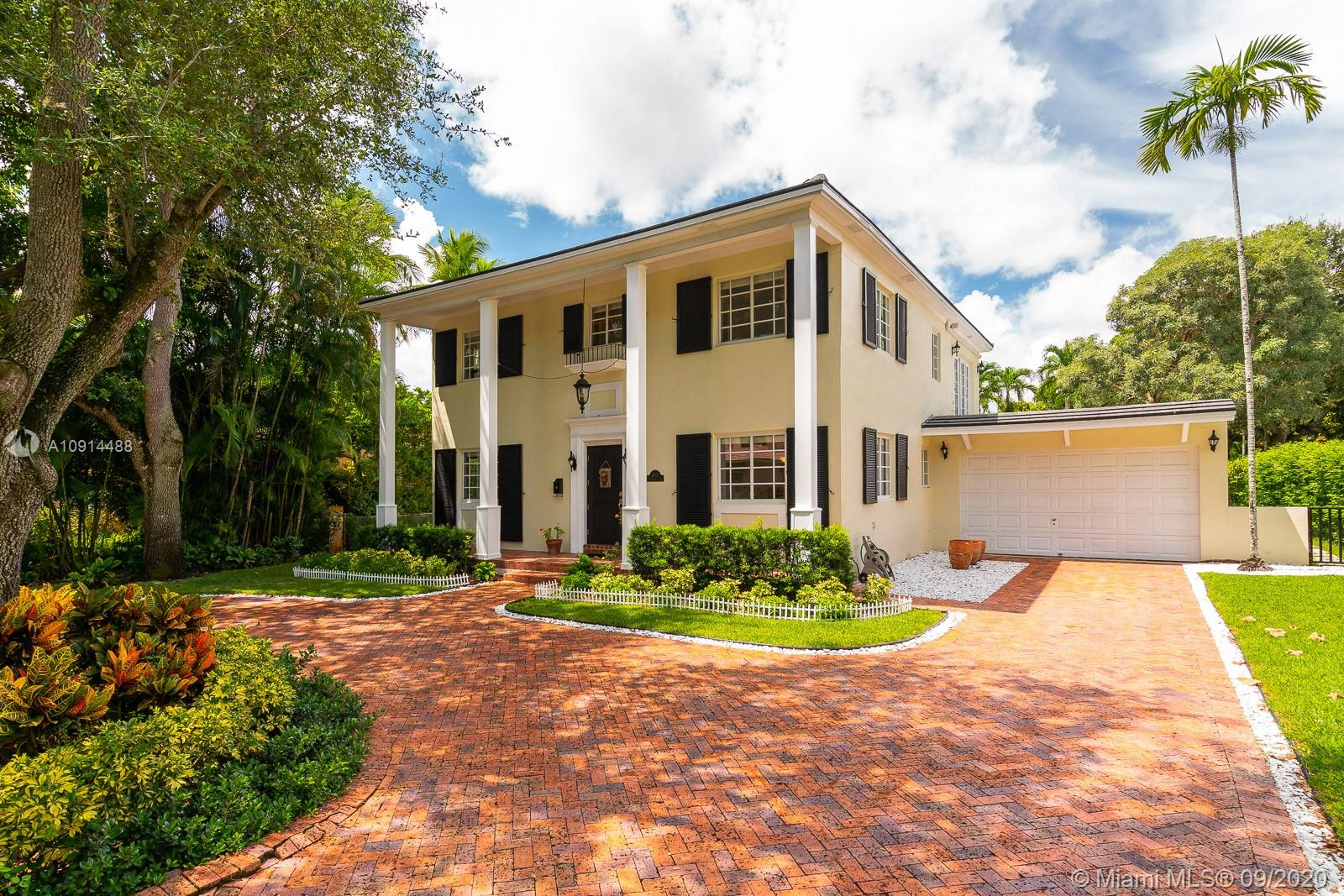 2612 N Greenway Dr  For Sale A10914488, FL
