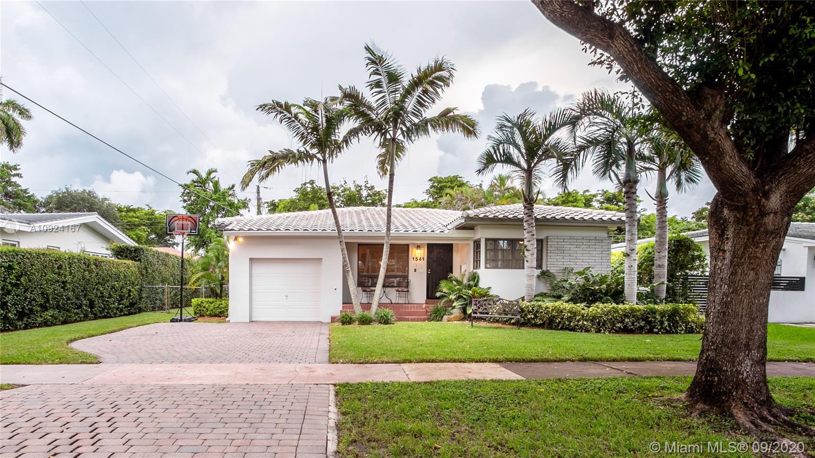 1541  Consolata Ave  For Sale A10924167, FL