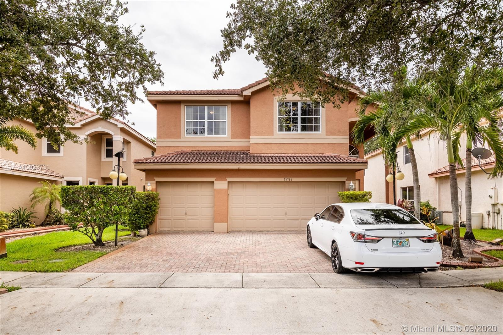 15766 SW 26th St  For Sale A10923731, FL